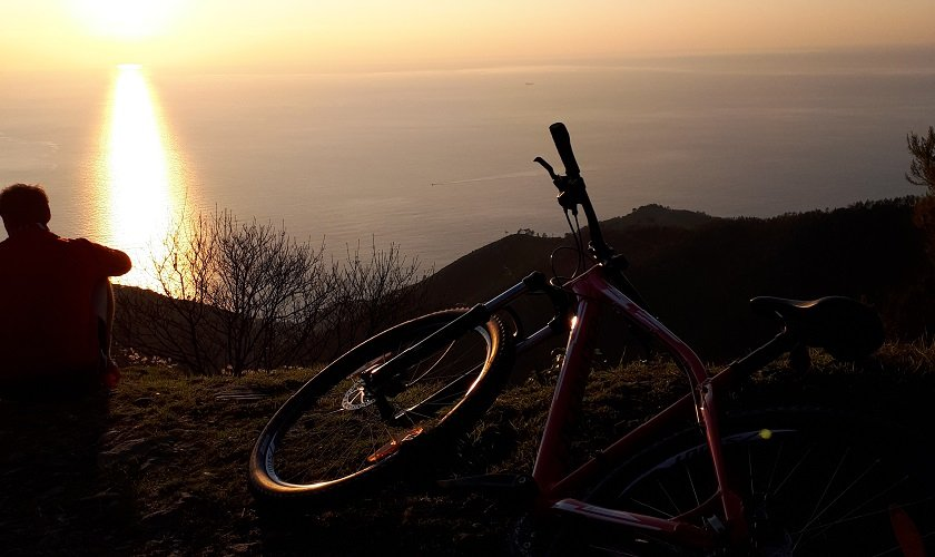 Cinque Terre Mountain Bike Excursion with Food Tasting